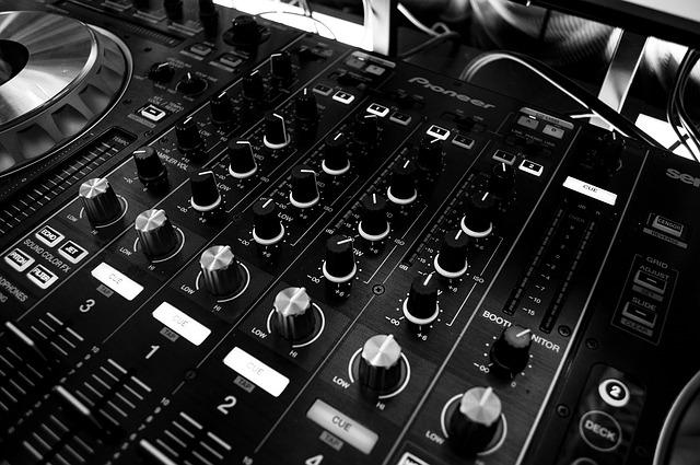 DJ Stormin' Norman | Live Life Your Way